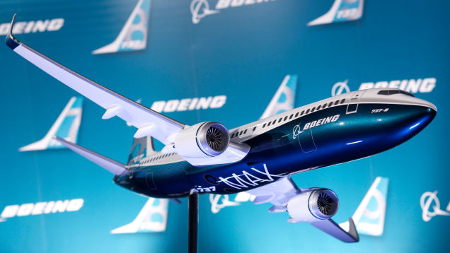 After Lion Air Crash, Boeing Reportedly Will Warn That the 737 Max Can Abruptly Dive by Mistake