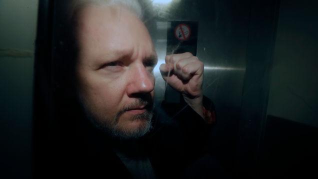 Swedish Prosecutors Reopen Rape Case Against Julian Assange