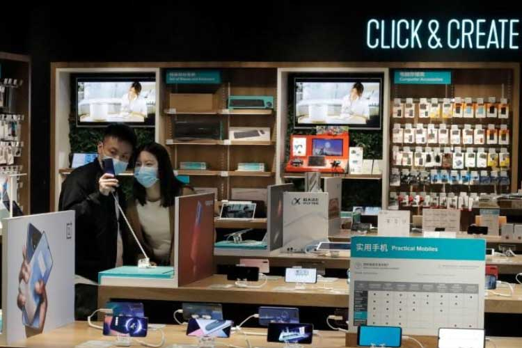 Global Smartphone Sales Fell 14% in February as Coronvirus Spread: Counterpoint
