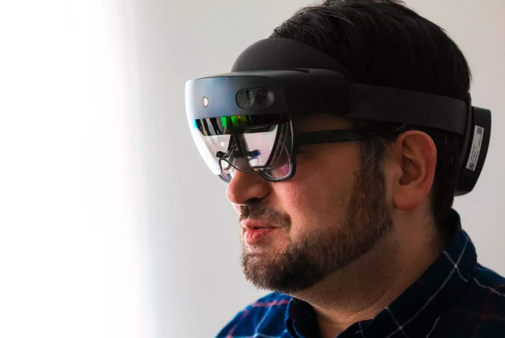 20200521.Microsoft-HoloLens-2-adds-5G-support-and-is-getting-easier-to-buy-02.PNG