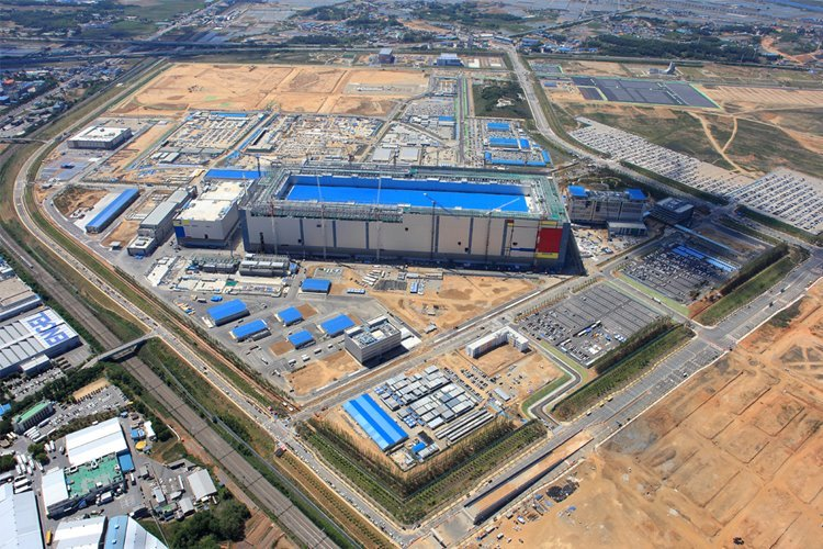 Samsung to build new EUV foundry chip line