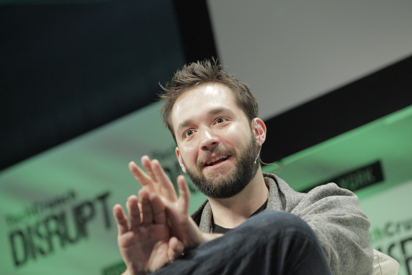 Alexis Ohanian steps down from Reddit board, asks for his seat to go to a black board member