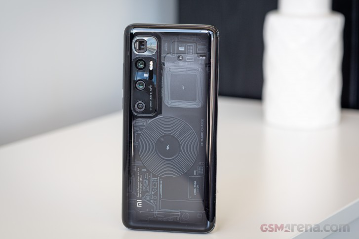 20200906.Xiaomi-Mi-10-Ultra-rocks-AnTuTu-August-charts-02.jpg