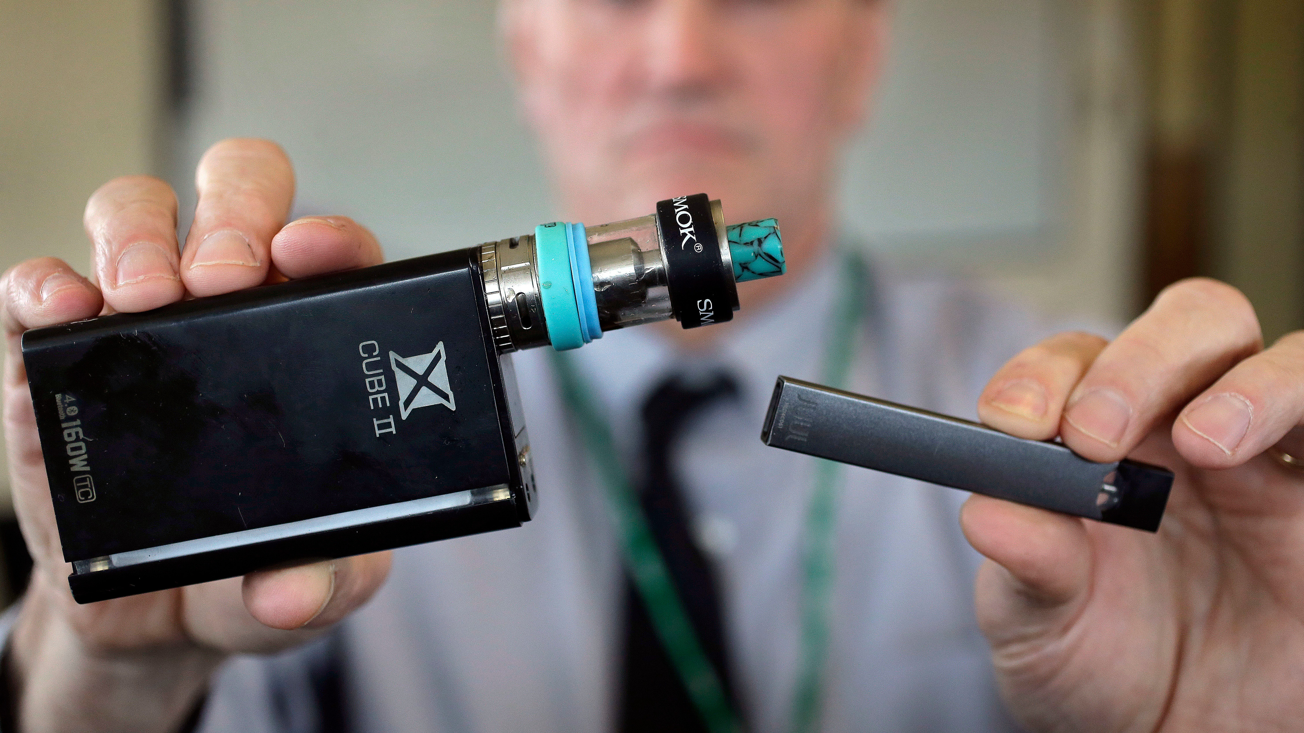 Report: FDA Commissioner Presented Plan to Restrict Flavored E-Cigarettes to White House Staff